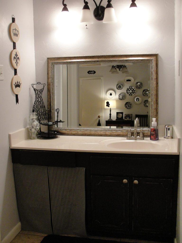 Amanda s distressed bathroom cabinet tutorial the csi - How do you paint bathroom cabinets ...