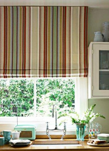 kitchen-striped-roman-blind-copy-e1284046918870